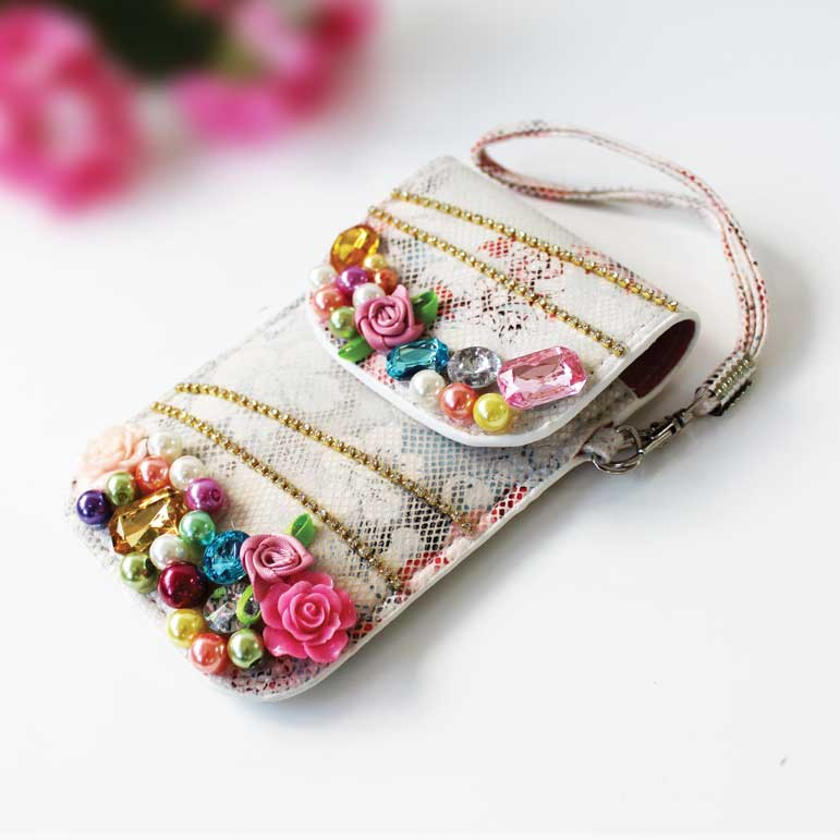Vintage Phone Case Jewelled White                            Sparkle Gift